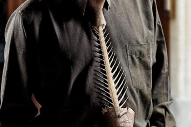 4. Галстук, оставшийся от ужина. галстуки, странные люди