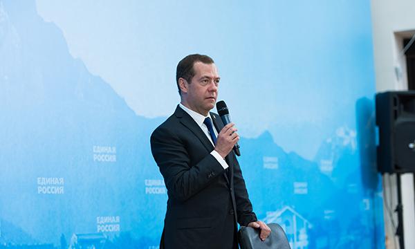 Программа обновления школьных автобусов будет продолжена, пообещал Председатель «Единой России»