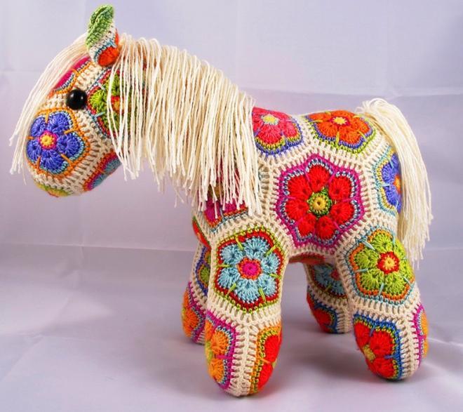лошадка игрушки вязанные крючком схема