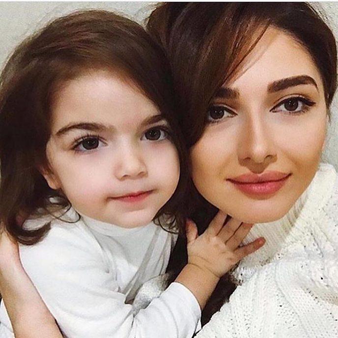 Чудесные красивые мамы и их милые малыши