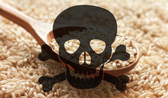 Осторожно! Китайские компании поймали на производстве поддельного риса из пластика