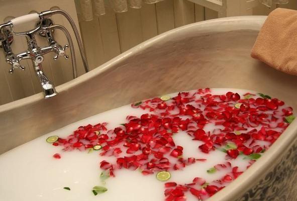 Ванна Клеопатры для похудения и бархатной и нежной кожи