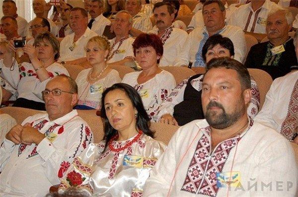 Президента Порошенко просят о новом празднике
