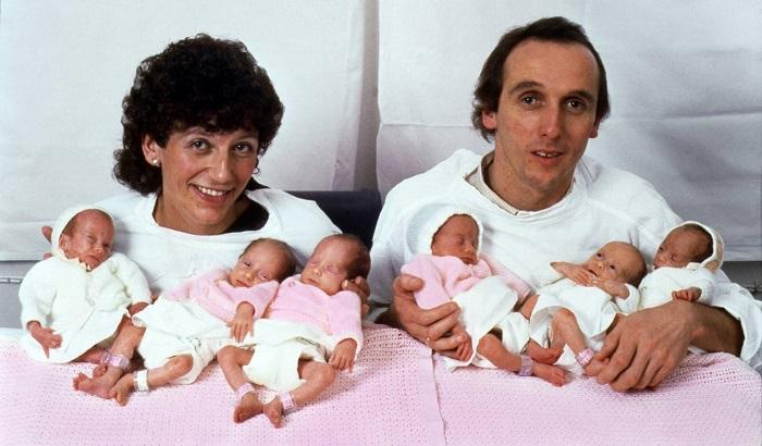 Родители первых в мире девочек-шестерняшек!