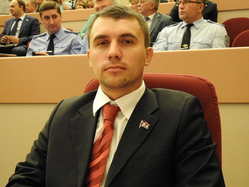 Как депутат Бондаренко пытал…
