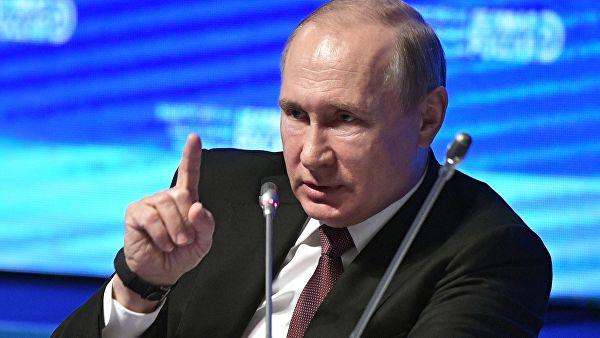 """""""Гуманитарная помощь из-за границы разоряет отечественных производителей"""": Путин объяснил уничтожение продуктов"""