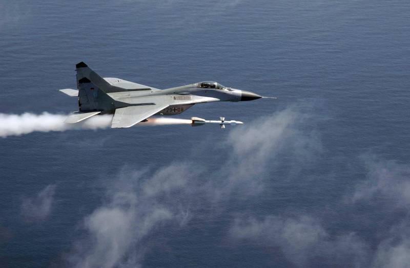 Почему Су-27 и Миг-29 были о…