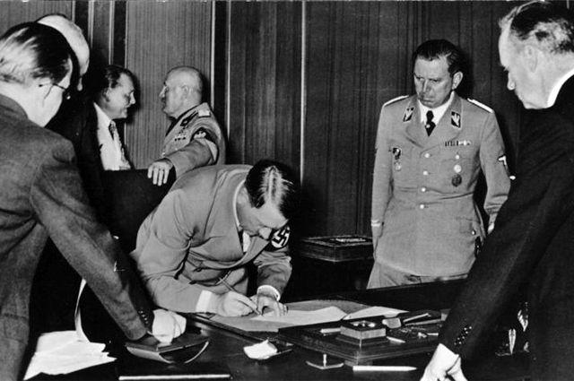 Сообразить на троих. Как Германия, Польша и Венгрия делили Чехословакию