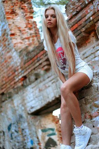дівчину голою фото