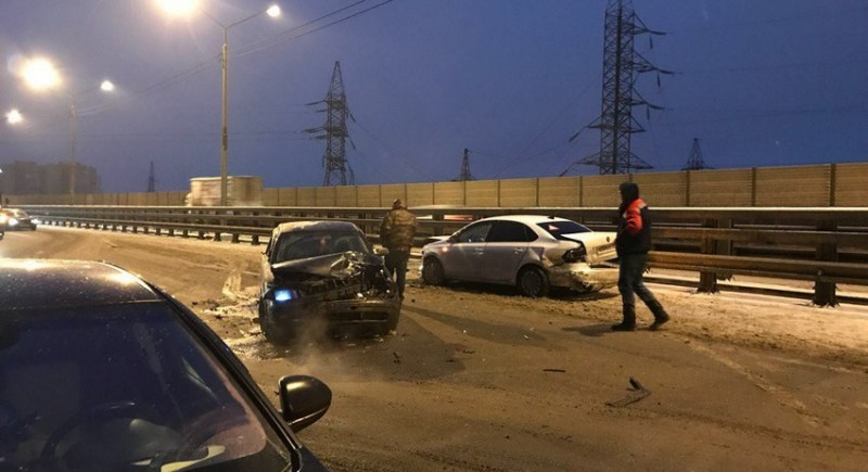 40 машин столкнулись под Москвой