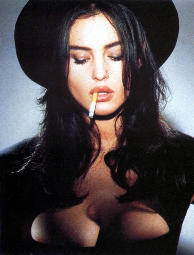 Женщина-мечта: Моника Беллуччи все так же прекрасна, как и 25 лет назад