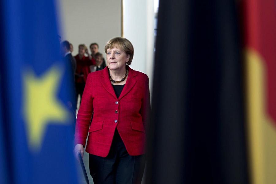 Меркель тоже оправдывается. Трудно делать реалполитик на Западе сегодня