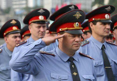 Российским полицейским запретили выезжать за пределы страны