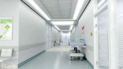 В Омске пенсионерка умерла в больнице после трех часов ожидания помощи