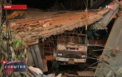 В результате обрушения автострады в Индии погибли 22 человека