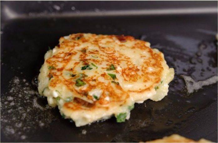 Картофельные оладьи с сыром. Вкусно и аппетитно!