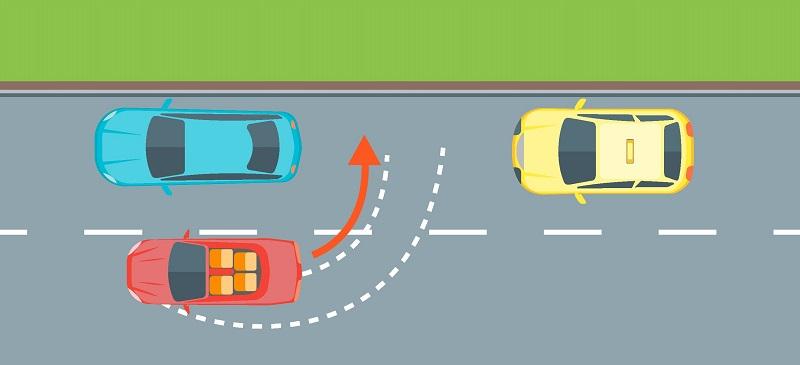 параллельная парковка между двух машин