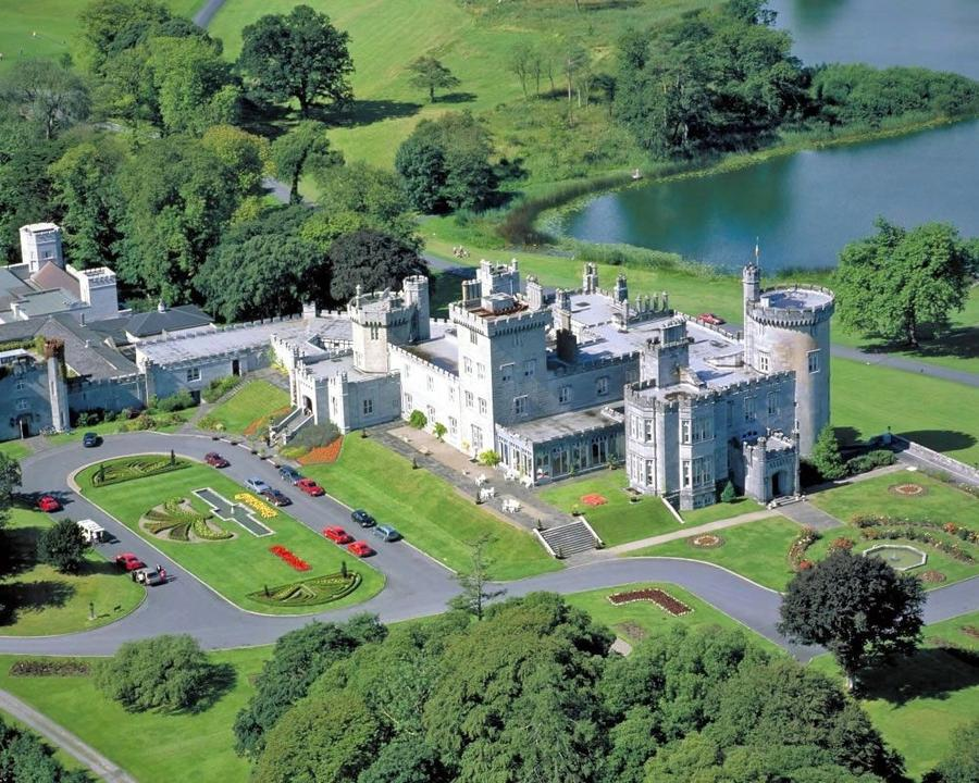 Замок-отель Дромоленд
