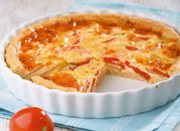 Пирог с помидорами и пряными травами