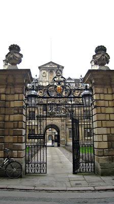 Скромное очарование буржуазии. 7 мифов об Англии