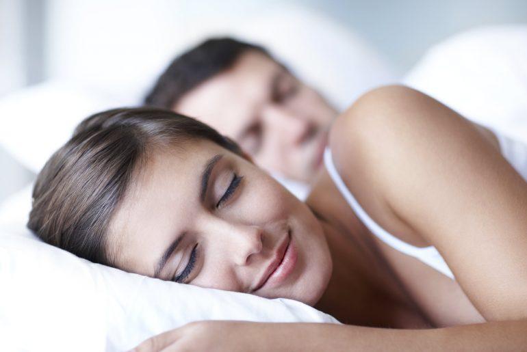 Как перестать храпеть и дать вашим близким нормально выспаться