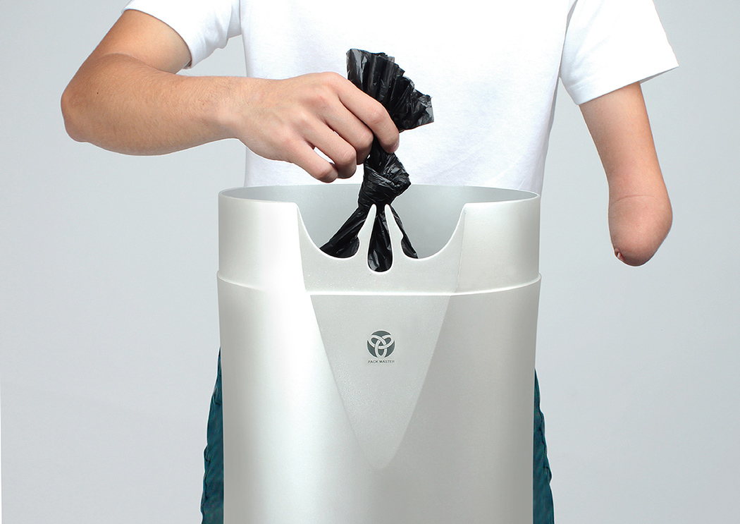 Узелок на мусорном пакете