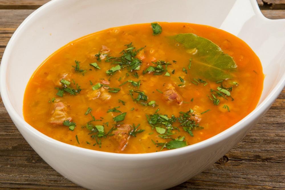 Суп из чечевицы и свининыы
