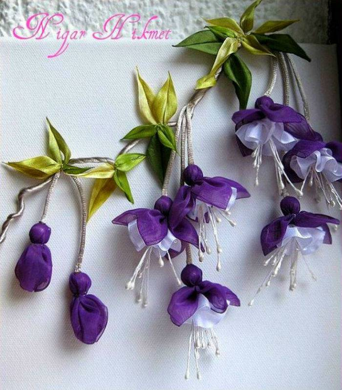 Цветы из лент и тесьмы
