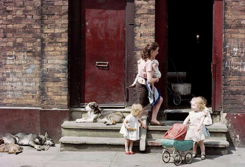Обаяние трущоб Манчестера в фотографиях Ширли Бейкер 1960-х годов 19