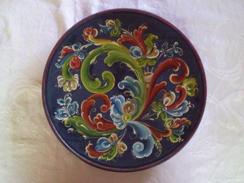 Норвежская роспись розами — rosemaling (русемалинг)