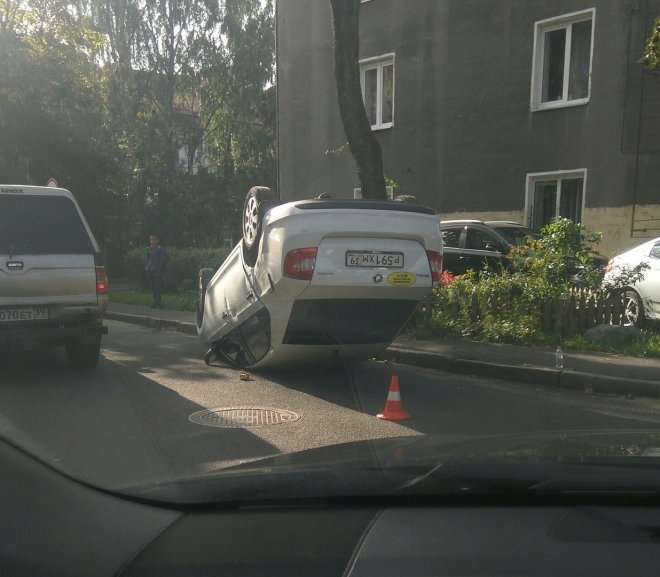 В Хабаровском крае перевернулся автомобиль с 7-летним мальчиком