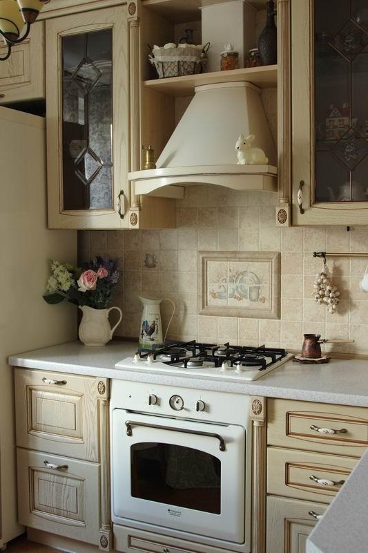 Дизайн кухни 9,5 кв.м с ретр…