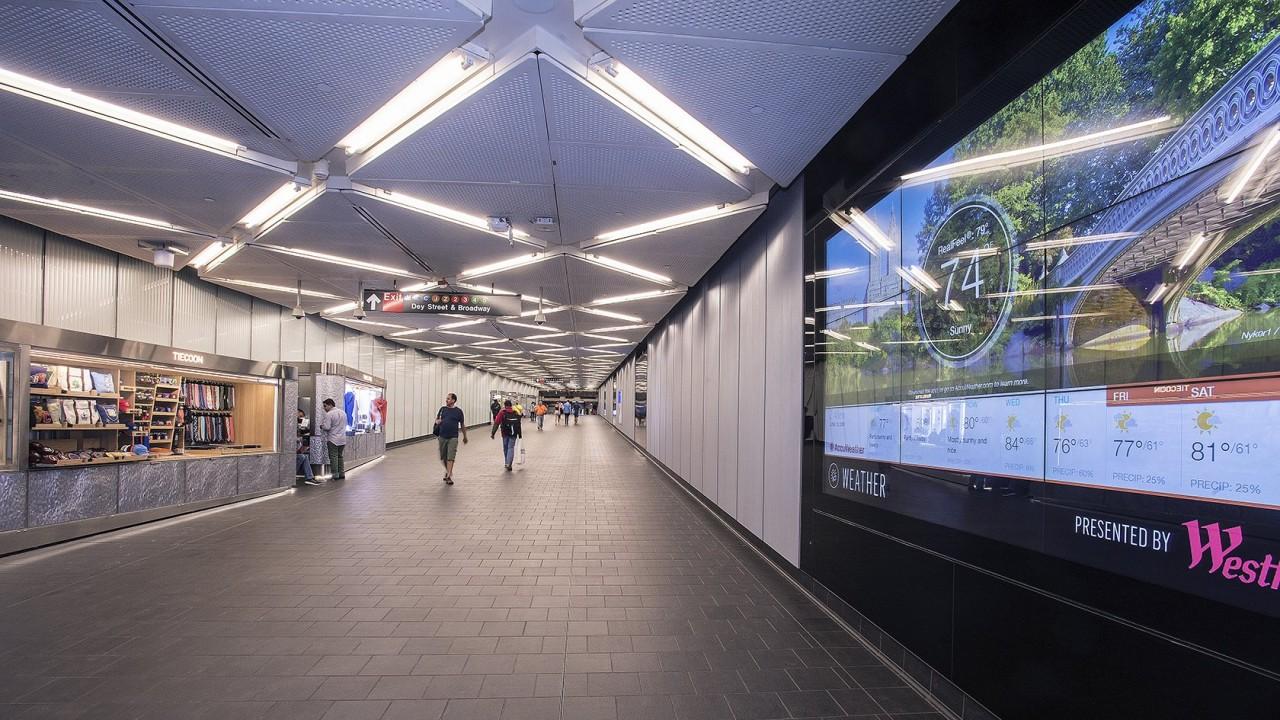 Stockmann продает последний торговый центр в РФ