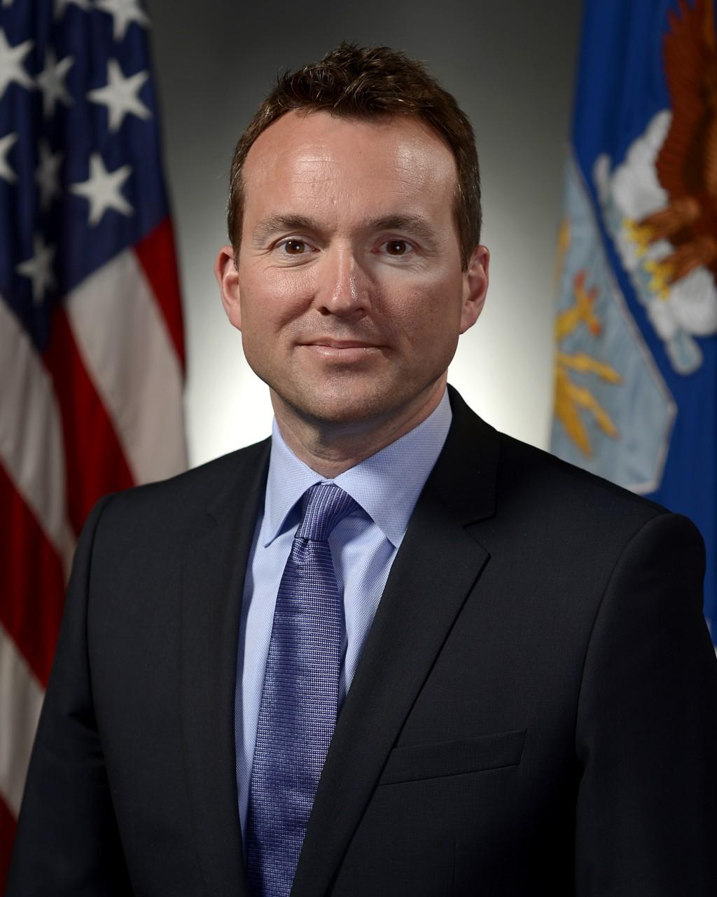 Гей станет министром армии США