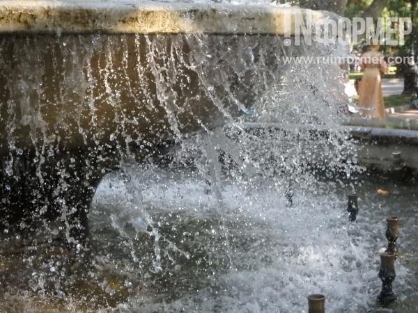 В Севастополе фонтан, как че…