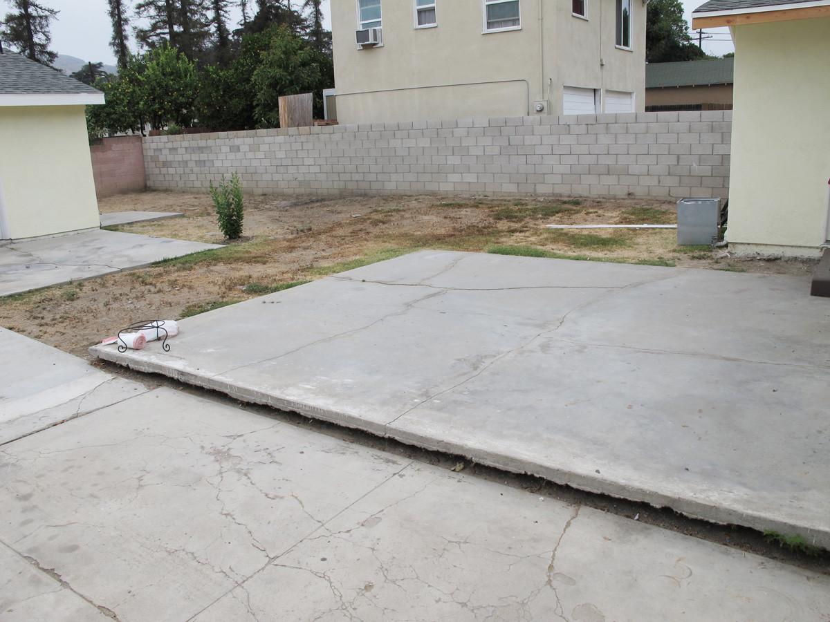Как я красила бетонное патио под дерево