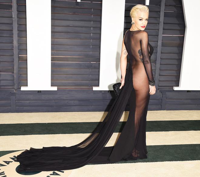Без ложной скромности: 20 шок-платьев 2015 года
