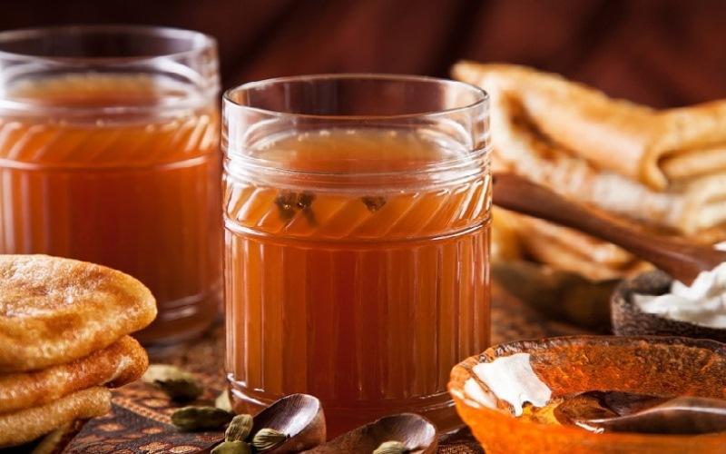 Сбитень - старинный русский горячий напиток для здоровья зимой