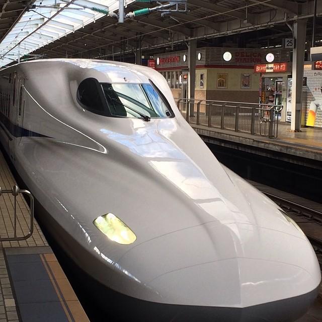 Это один, из самых современных скоростных поездов в мире - Синкансэн. в мире, люди, прикол, япония
