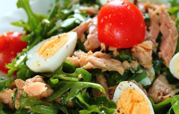 Салат из рукколы с тунцом рецепт