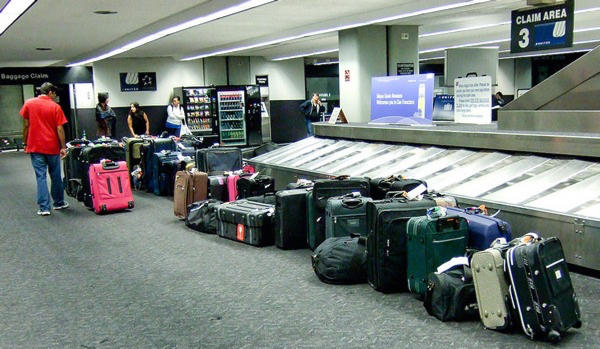 Samsonite and Samsung working on bags that check themselves in at the airport