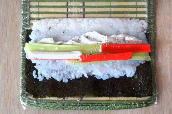 Как сделать суши дома из крабовых палочек