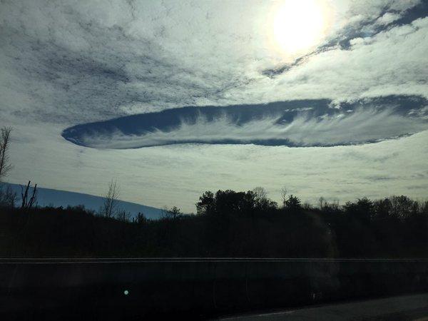 Таинственные пробоины образовались в облаках в Луизиане, Миссисипи и Алабаме