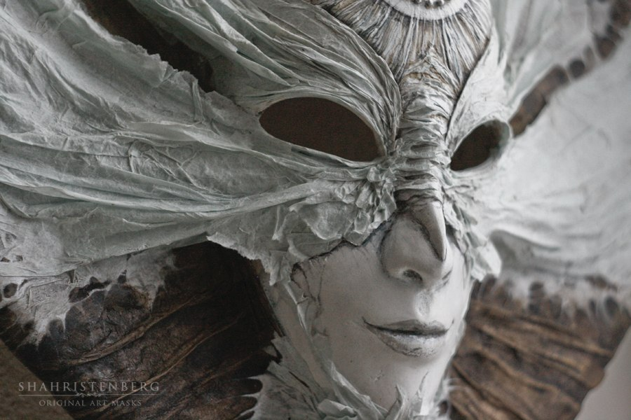 Художественные маски из папье маше Надежды Шахристенберг