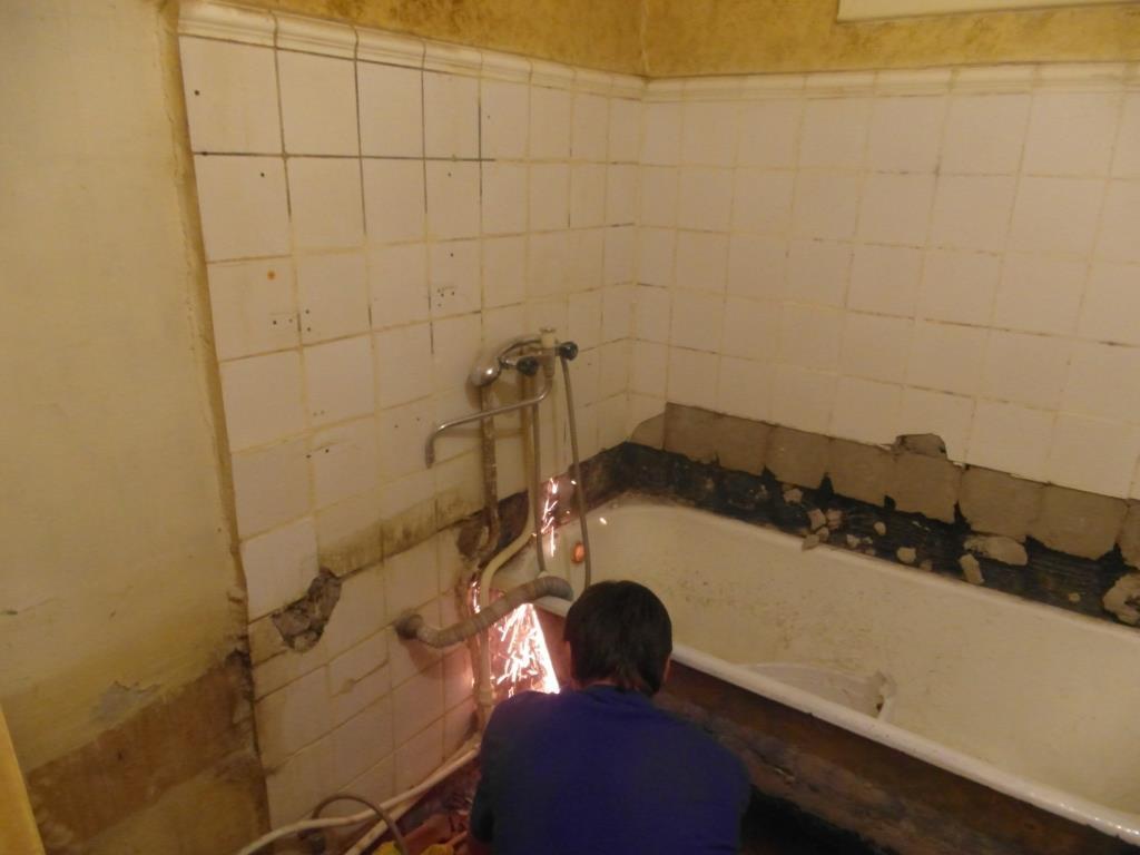 Ремонт в ванной своими руками фото маленький 74
