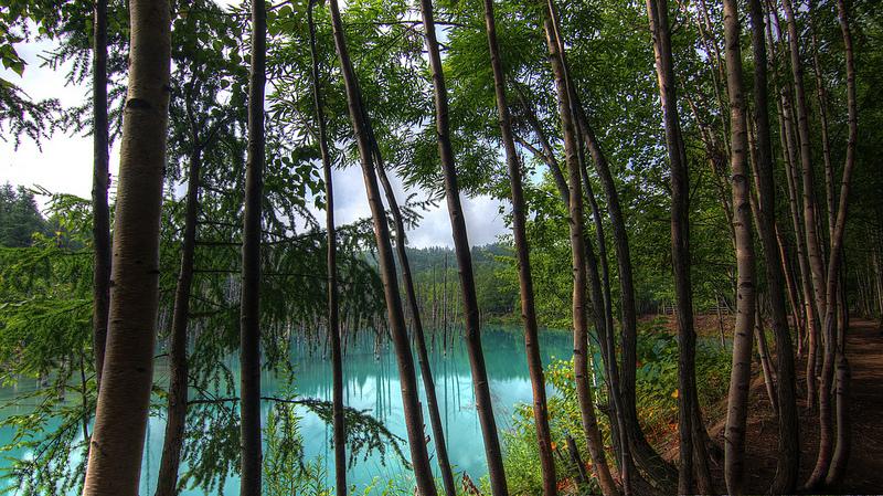 Голубой пруд Биэй. Другой вид.