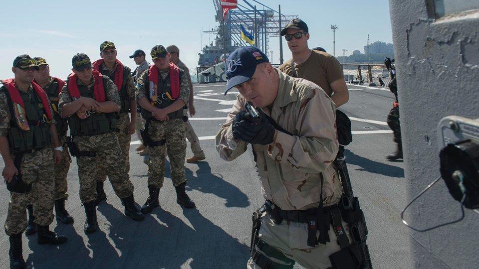 Украина провела очередные военные учения в Азовском море