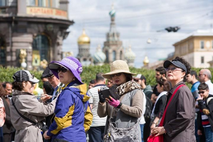 Китайские туристы в 2017 году потратили в Москве более $1 млрд