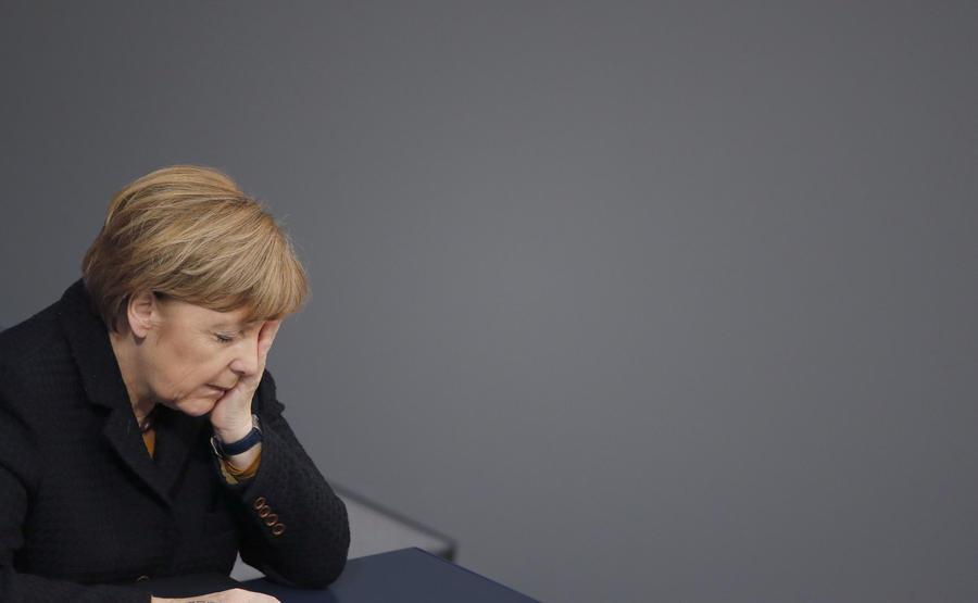 """Будни Меркель: женское милосердие или """"проститутская"""" душа?"""