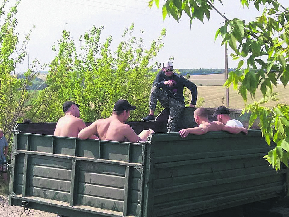 К винницким фермерам приезжали сорок титушек. Фото: trident-ua.info